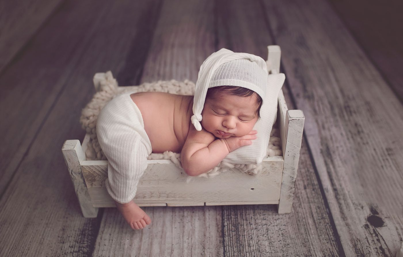 As a rule creative newborn photography props prove that you are a professional who knows how to achieve great results but which photography props to
